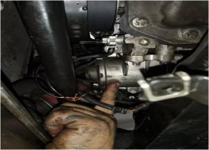 Phương pháp thay thế máy bơm nước điện BMW